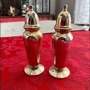 Oneida vintage gold tone salt and pepper shakers